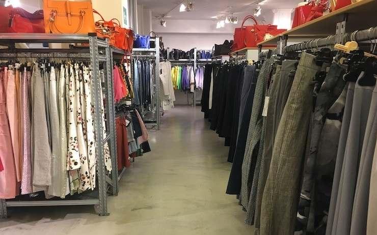 Acheter des vêtements chez un grossiste, découvrez pourquoi c'est intéressant