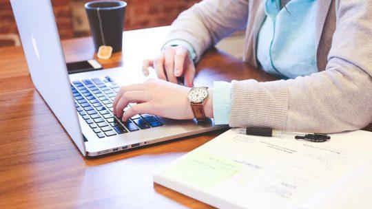 Les avantages de créer son CV en ligne