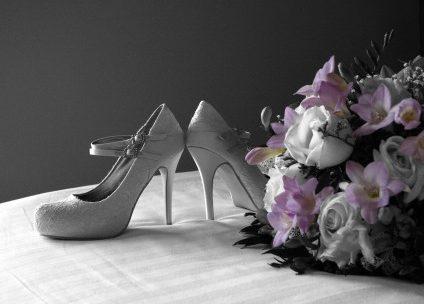 Comment trouver les chaussures parfaites pour le jour du mariage