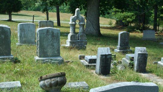 Quelle est la taille standard d'une pierre tombale ?